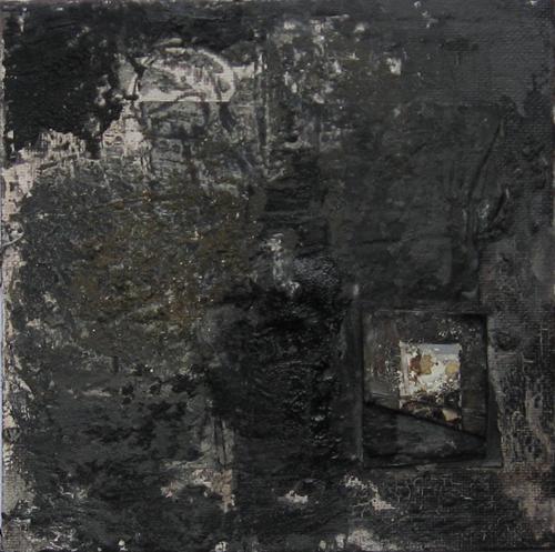 Paysage noir (recherche pour la suite noir de noir) / Stygian Landscape (study for Black of Black series), 2011, Pigments, paper, cloth, ash, sand, acrylic, binder on canvas, 15 x 15 cm. Courtesy the artist.