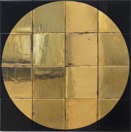 Untitled, 2014, Glazed ceramic tile, gold, 23.6 x 23.6 inches. Courtesy Sies+Höke Düsseldorf.